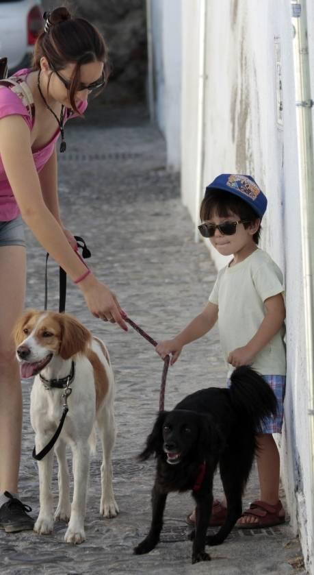 Ayudando a educar perros y niños